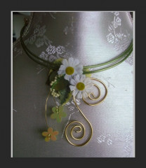 Collier « marguerite »